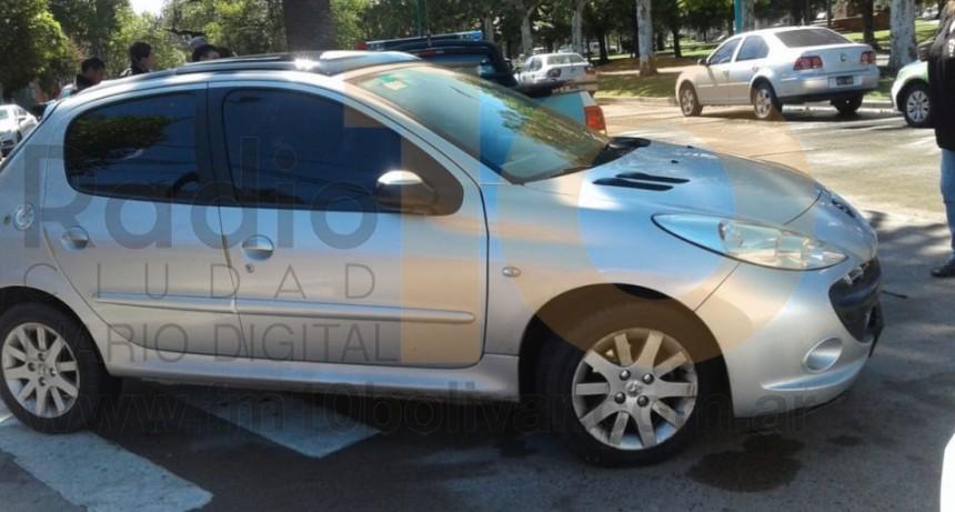 Incidente en Lavalle casi Sargento Cabral; una ciclista fue derivada al nosocomio local por precaución