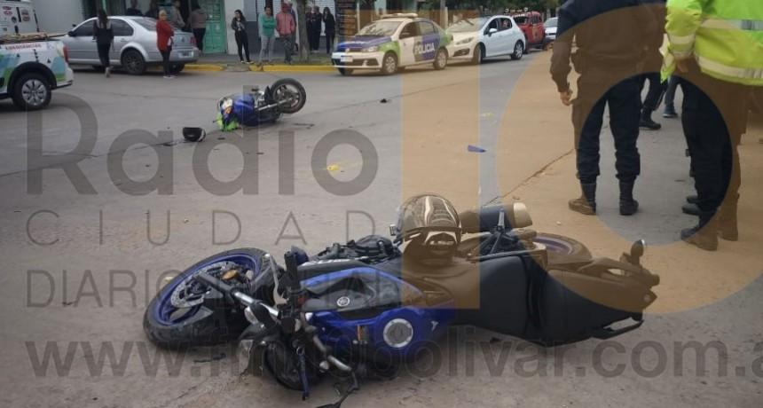 Dos motocicletas involucradas en un accidente en Avenida 3 de Febrero y Castelli