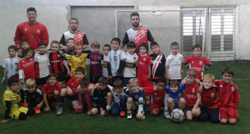 La escuelita de Club Empleados participó de un encuentro en Olavarría