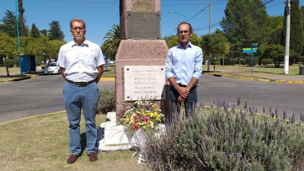 Se conmemoró el 142° aniversario de la ciudad con un acto en el monolito que recuerda su fundación