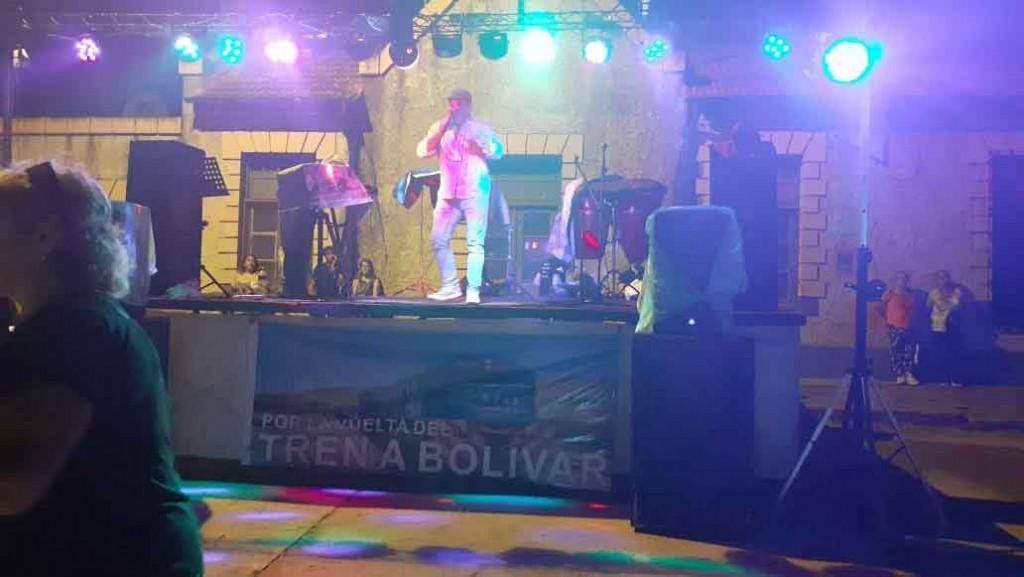 El pedido de la Vuelta del Tren a Bolívar se hizo sentir con una movida solidaria