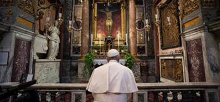 El coronavirus llega a la residencia del papa Francisco