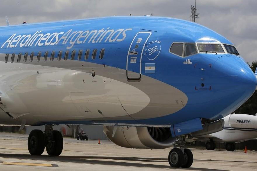 Suspenden los vuelos de repatriación y, salvo excepciones, los argentinos 'deberán esperar'