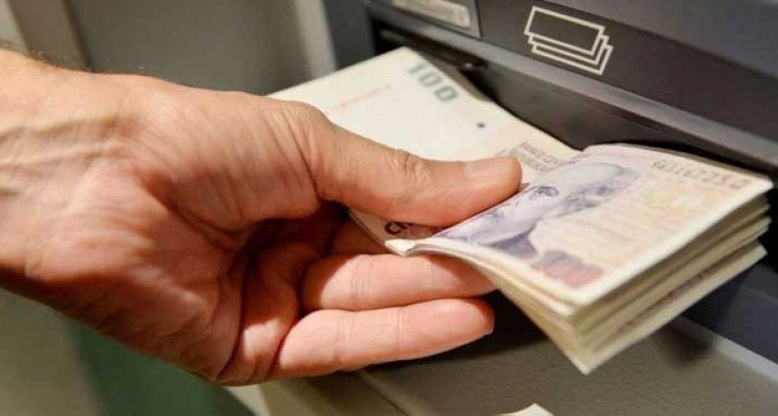 Informe BCRA; Los bancos no cobrarán cargos ni comisiones por usar cajeros automáticos