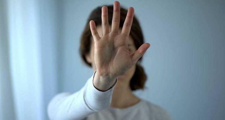 Violencia de género: 'barbijo rojo', el código para pedir ayuda en las farmacias durante el aislamiento