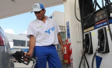 Estacioneros confirman que los combustibles subirán cerca de 10 centavos