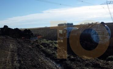 Dos camioneros protagonizaron despiste, vuelco y roturas mecánicas en la Ruta Provincial 65