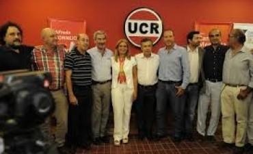 Con el 90% de las mesas escrutadas, sigue el triunfo de la UCR en Mendoza pero se achica la diferencia