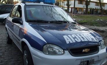 Un robo y personas detenidas por disturbios en la vía pública durante el día domingo