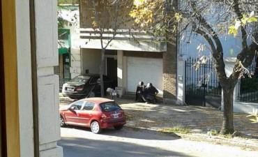 Lincoln: Varias horas de tensión en un banco por una toma de rehenes