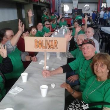 Adultos mayores participaron de un encuentro deportivo y recreativo en Rauch