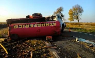 Ruta Provincial 65: Un joven camionero murió tras volcar su camión en Baigorrita
