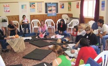 "Sigue el taller de masaje Infantil para padres  ""Una caricia que nutre"""