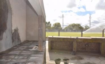 """Se realizan tareas de mantenimiento en el Estadio Municipal """"Eva Perón"""""""