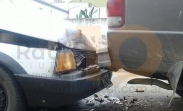 Impacto entre dos conductores: uno de ellos fue trasladado al hospital por un corte en la rodilla