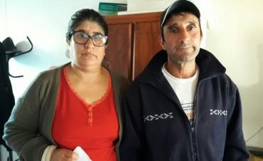 Tras un allanamiento este martes, una familia utilizó su derecho de expresión pública