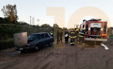 Principio de incendio en un automóvil