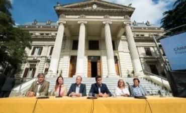 Diputados e intendentes anunciaron programa de lucha contra la violencia de género