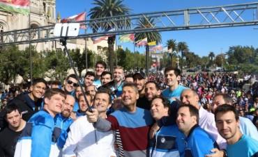 En la visita a Bolívar, Tinelli confirmó la fecha de la 19° edición de la Maratón Internacional 'Dino Hugo Tinelli'
