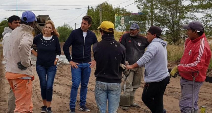 Manuel Mosca y Pity Quibus recorrieron obras en Bolívar