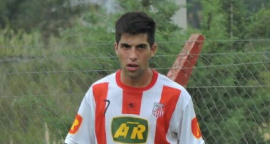 Fútbol: Sebastián Blanco de Empleados en búsqueda de la 1º división.