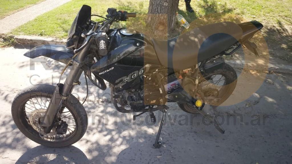 Accidente en 9 de Julio y Zapiola; Un motociclista fue hospitalizado por precaución