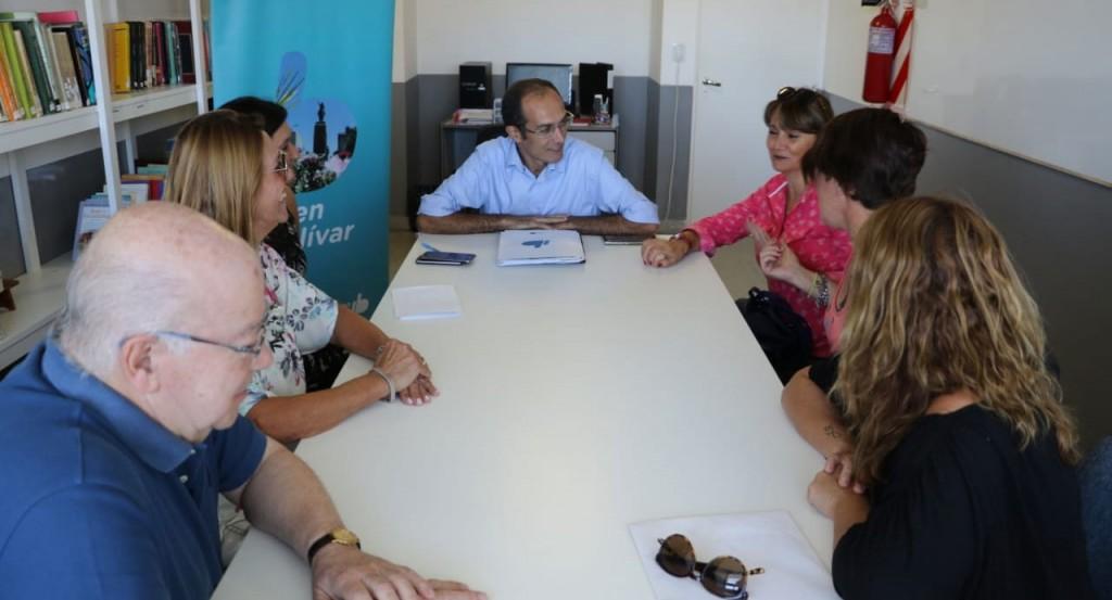 El intendente Pisano le entregó aportes económicos a tres bibliotecas