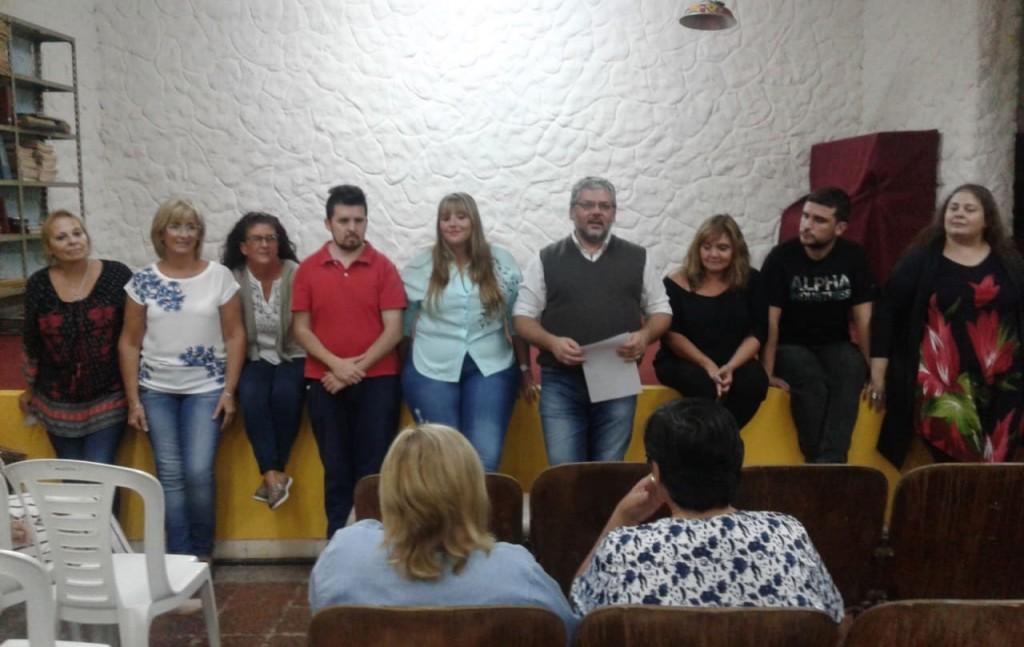 Se realizó la presentación del grupo de teatro Vamos de Nuevo