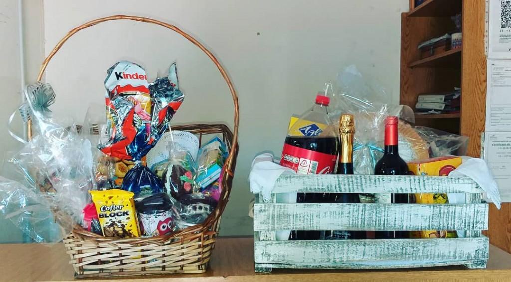 La promo 2019 de Colegio Cervantes realizó el sorteo de la canasta de pascua