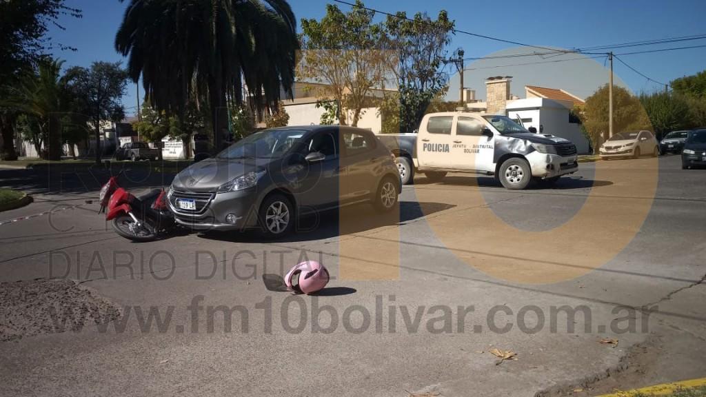 Accidente Av. Belgrano y calle Bernardo de Irigoyen: Dos femeninas fueron derivadas al hospital a modo preventivo