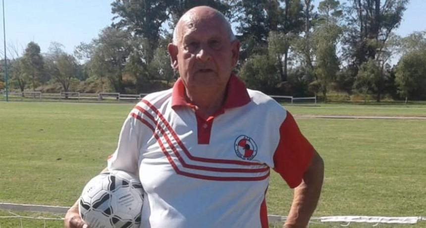 Se realizo un campeonato de futbol tenis homenajeando a Carlos Bergallo