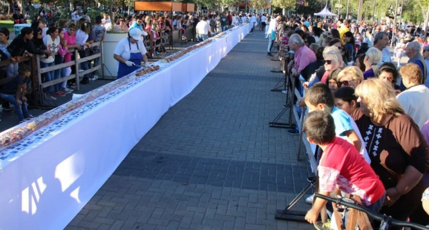 Bolívar festejó semana santa con una trenza de pascua gigante
