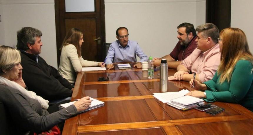Pisano se reunió con la Cámara Comercial y la Sociedad Rural de Bolívar