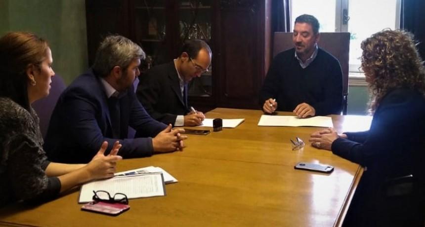 El intendente Pisano firmó un convenio marco con la Universidad Nacional Noroeste - Buenos Aires