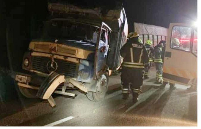 Accidente múltiple de camiones en Ruta 33; Los choferes resultaron ilesos