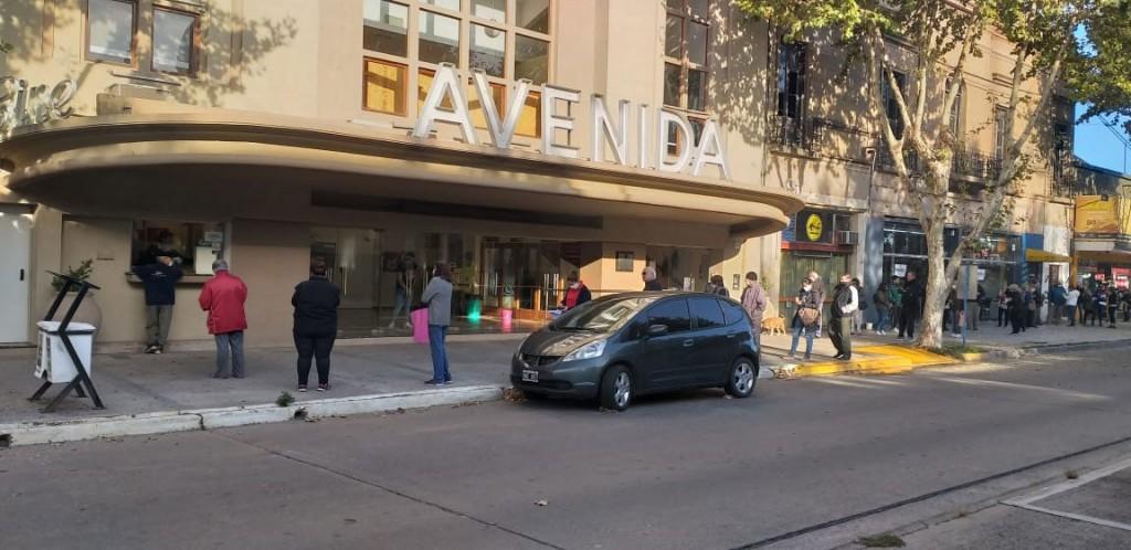 Ya se encuentra habilitada la caja del Cine Avenida para el pago de tasas municipales