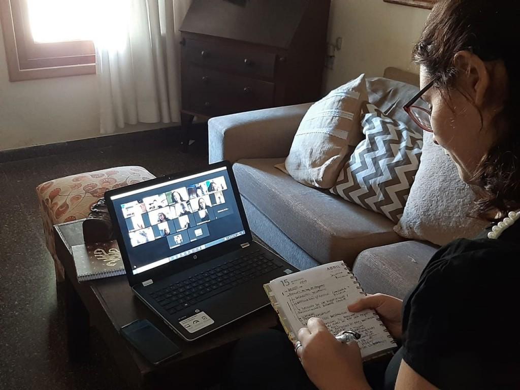 Bolívar participó de una jornada virtual sobre 'políticas de cuidado en el marco del COVID 19 y el papel de los hogares'