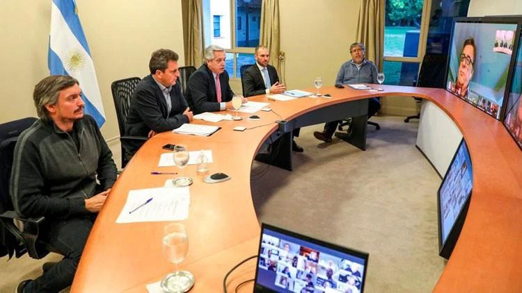 Fernández se reúne en forma virtual con los jefes de bloque de Diputados para analizar la situación política y económica generada por el coronavirus