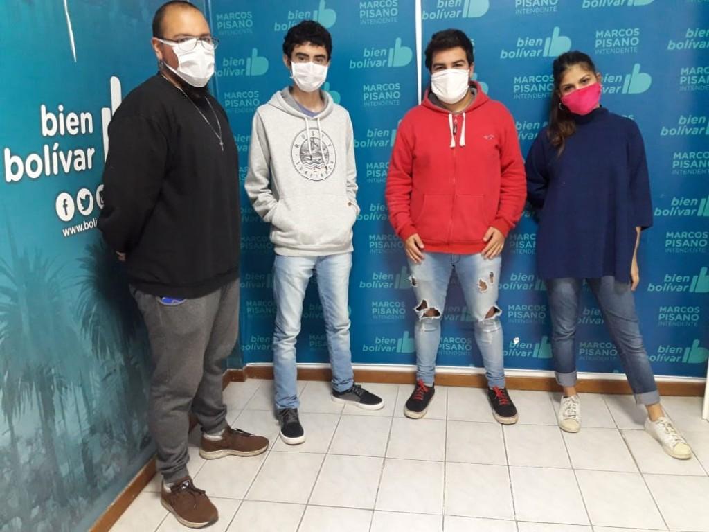 Jóvenes estudiantes solidarios suman su granito de arena para sobrellevar el aislamiento