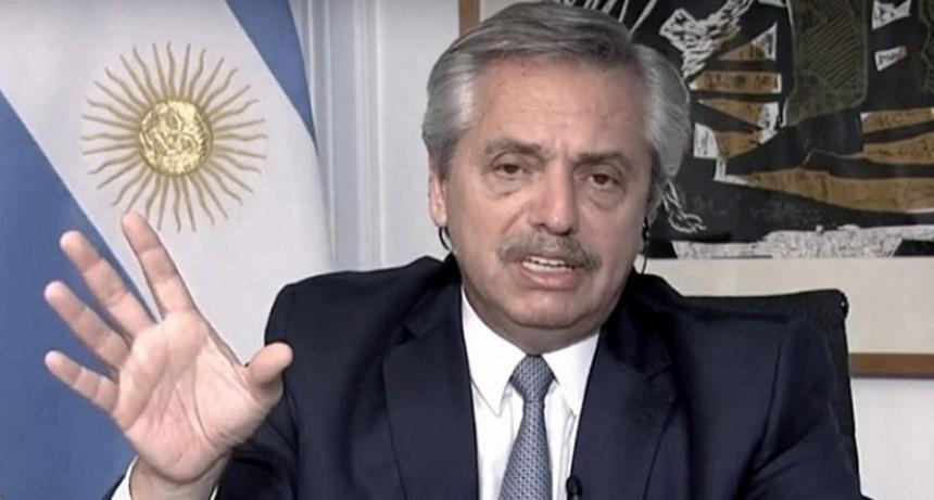 Fernández recibe a comité de expertos de salud y a líderes de movimientos sociales