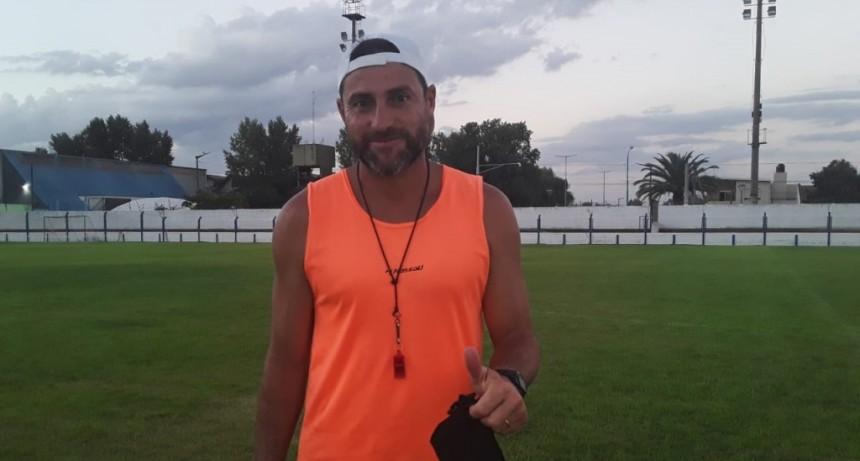 """Mauricio Peralta: """"Vamos a enfrentar a un equipo de experiencia en la categoría, con jugadores de otro nivel, que ya traen muchos partidos como estos en la mochila"""""""