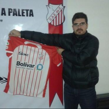 Nueva indumentaria y nuevos desafíos para los jugadores de Pelota a Paleta del Club Empleados de Comercio