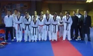 Curso para instructores de lucha en nivel inicial
