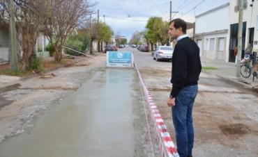 Reparación de baches en la calle Olavarría
