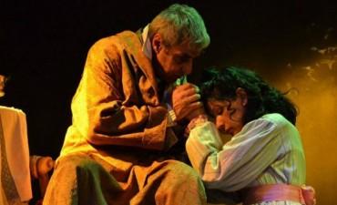"""En el fondo del mar, propuesta platense de """"El Teatro y La Historia"""" se presenta el 6 en el taller"""
