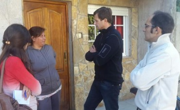 El Intendente sigue recorriendo los barrios casa por casa