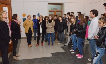 Exponen alumnos de la E.E.S Técnica N°1