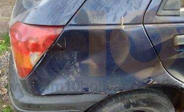 Conductora busca al responsable del choque a su vehículo