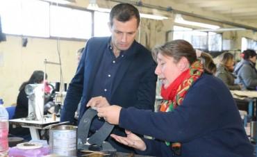VISITÓ LADY COMFORT Y LA USINA LÁCTEA: El Intendente Bucca recorrió dos importantes fábricas locales