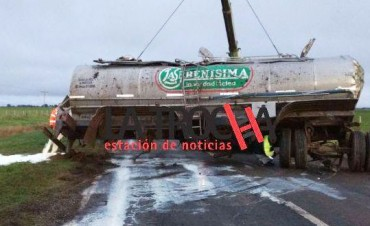 Entre Casares y 9 de Julio: Volcó un camión térmico en la ruta 5